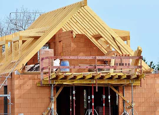 Doordat de overheid onvoldoende stikstofmaatregelen neemt, stokt de bouw van nieuwe woningen.